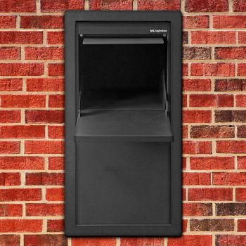 geopende inbouw pakket brievenbus met deurtje achterkant